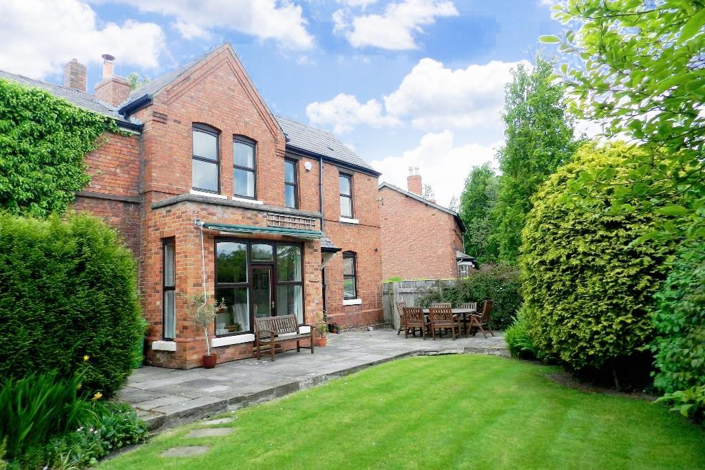 Wigshaw Lane, Culcheth, Warrington, WA3 4AB